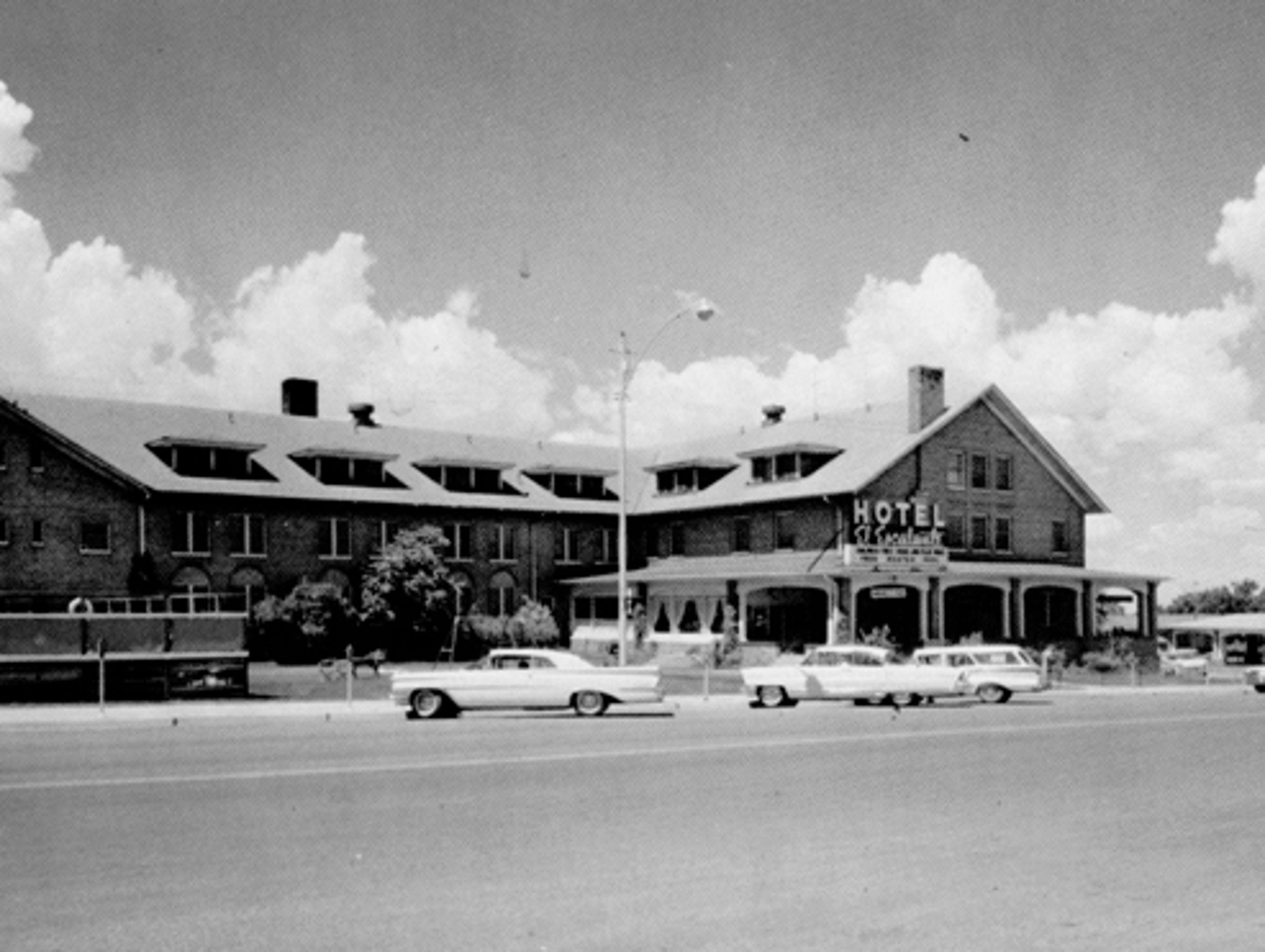 A historical image of the El Escalante Hotel.