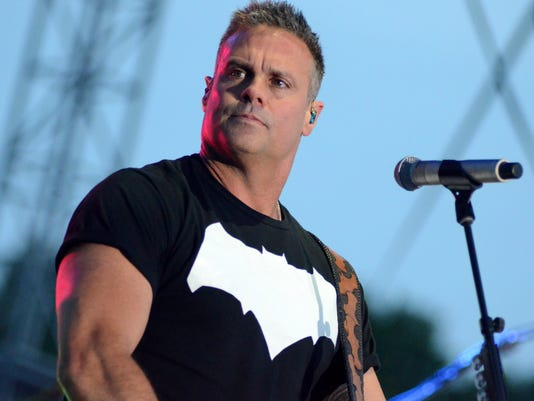 Award-winning country music performer Troy Gentry dies in helicopter crash