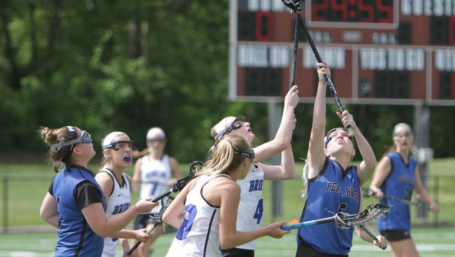 In the Class C final at Torne Valley Stadium, Bronxville defeated Pearl River 17-10.
