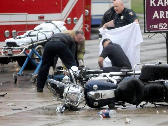 MNJ 0426 multi-vehicle crash 01.jpg