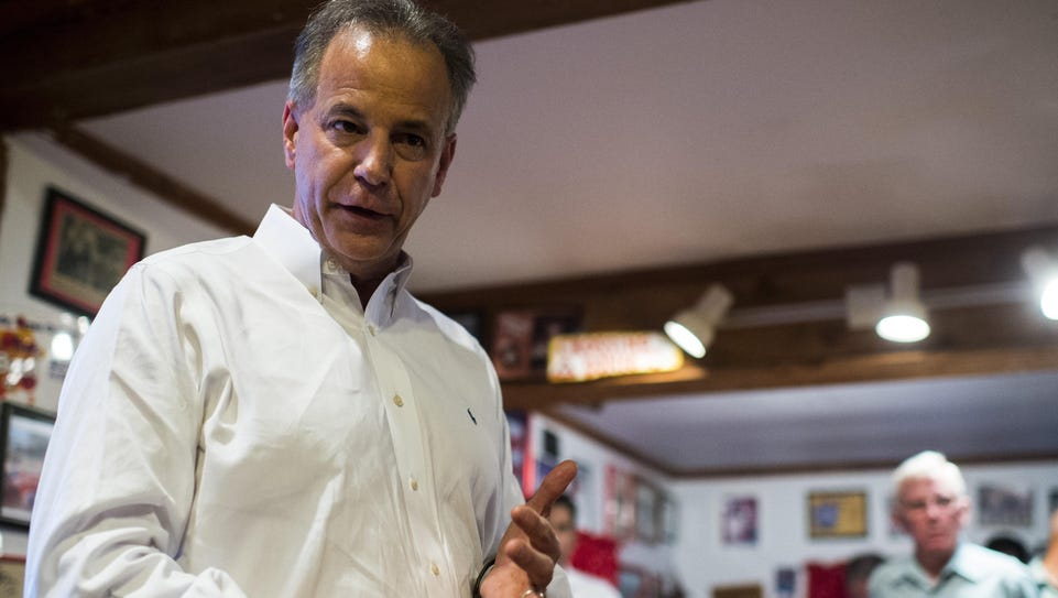 Scott Angelle, a candidate for governor, speaks to