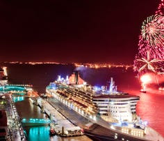 Book a future cruise during the July 4 weekend and save
