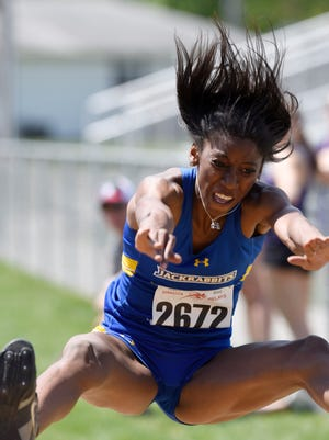 Jazzelena Black of SDSU competes in the women's triple jump at the NCAA West Preliminaries.