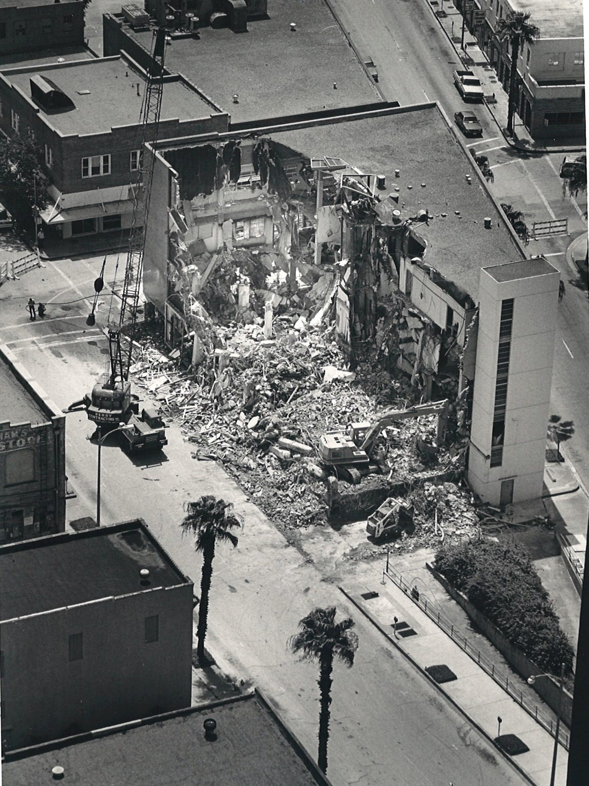 The view of the La Retama Library buidling demolition from the top of Texas Commerce Plaza on July 18, 1987.