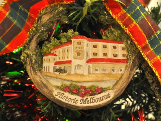 The 1900 building ornament displayed on the tree. Meehans