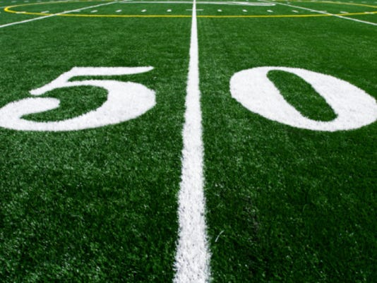 635809520294721106-Football50yardLine