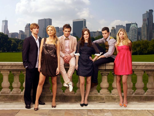 "Chace Crawford, Blake Lively, Ed Westwick, Leighton Meester, Penn Badgley, Taylor Momsen in ""Gossip Girl."""