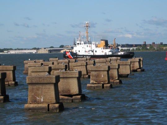 -coast guard at bay bridge site.JPG_20080915.jpg