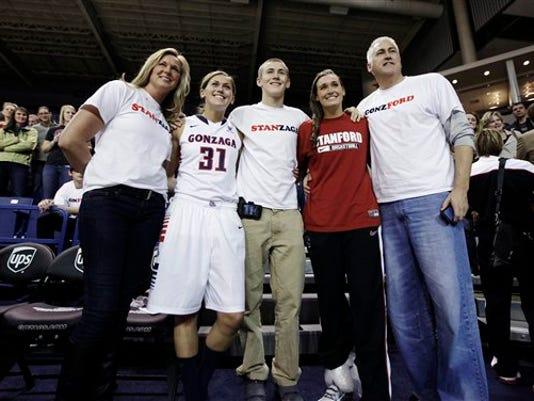 -tinkle family.jpg_20121202.jpg