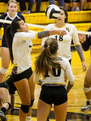 Senior setter Teya Leonard and Bishop Verot will travel to West Palm Beach Tuesday to face Oxbridge Academy in a Region 5A-3 final.