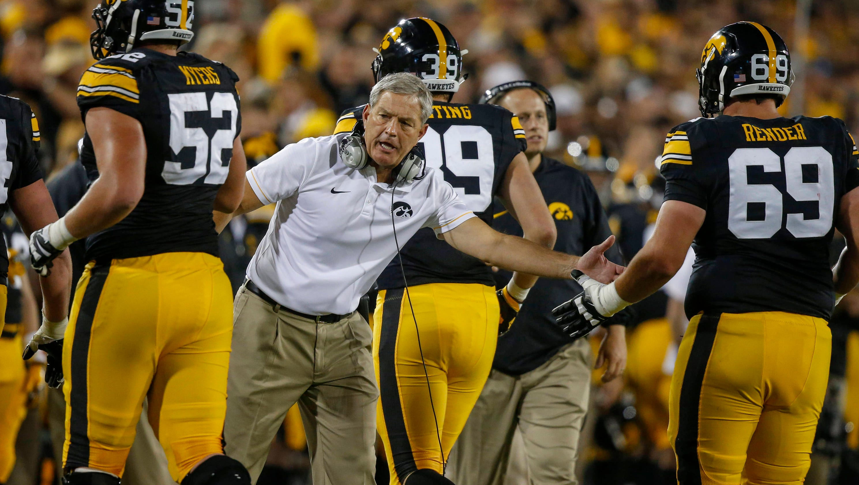 Iowa aims to add star recruits for offensive line arsenal