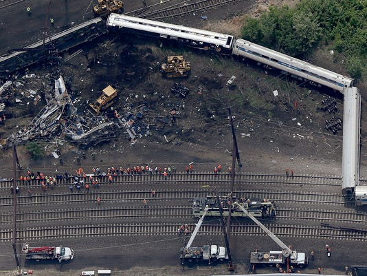 NTSB: Amtrak train sped up for a minute before crash