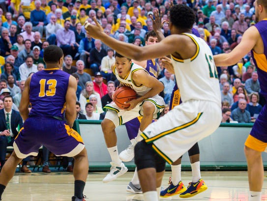 The University of Vermont's Trae Bell-Haynes pulls