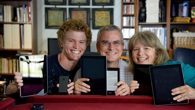 David Delk, his wife Ruthie and son Kyle are all avid fans of e-readers.  They each use multiple electronic devices like iPads, Kindles and iPhones.