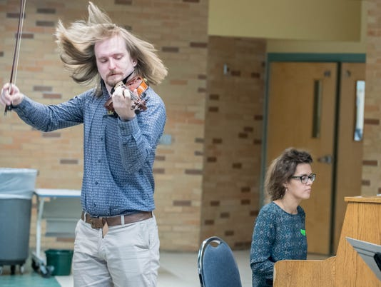 Russian Violinist 2