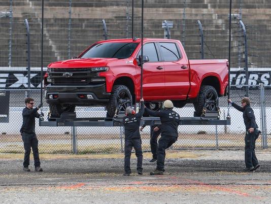 636490482897637618-2019-Chevrolet-Silverado-Reveal-07.JPG