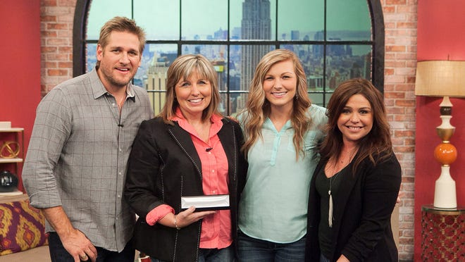 Curtis Stone, Nissa Ellet, her daughter Abby, and Rachael Ray
