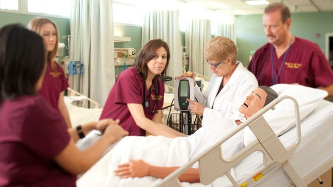 Nursing students gain practical experience. College of the Desert's 36-unit program requires about 500 hours of class time. It offers graduates an associate's degree in nursing and training for R.N. certification, but not a bachelor's degree.