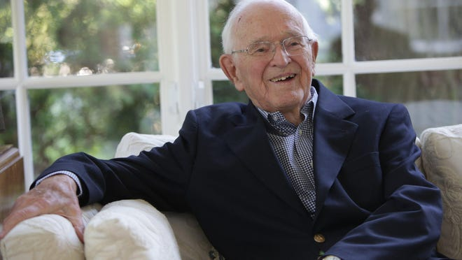 "Palmer Heenan, 93, mayor of Grosse Pointe Park, interviewed at the home of his daughter, Betsy Fox, in Grosse Pointe Farms, reiterated that ""it's a fun job to try to improve a city."""