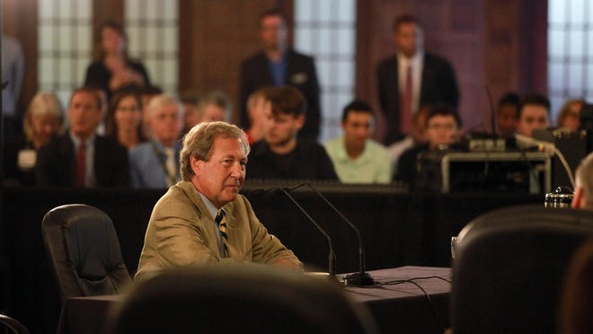 Newly-appointed University of Iowa President Bruce Harreld thanks members of the Iowa Board of Regents at the Iowa Memorial Union on Thursday, Sept. 3, 2015.