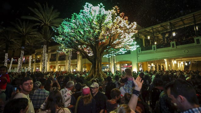 Guests experienced the first light show of The Wishing Tree at Rosemary Square Saturday evening, November 30, 2019 in West Palm Beach. Commissioned by Related Companies for Rosemary Square, The Wishing Tree by Symmetry Labs celebrates the history of the banyan tree in West Palm Beach, coupled with Related Companies' vision to unite the community through immersive public art experiences. The structure's 10,000 leaves are comprised of 100,000 individually addressable full-color-spectrum LEDs that create an ever-changing light show.