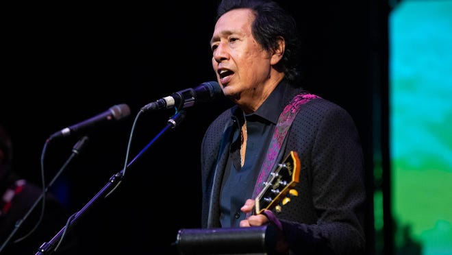 """Alejandro Escovedo has hit the top-10 of the Billboard Latin Albums chart with """"La Cruzada,"""" a new Spanish-language version of his 2018 album """"The Crossing."""""""