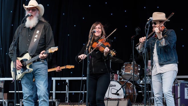 Asleep at the Wheel will present a ticketed virtual holiday concert on Dec. 19.