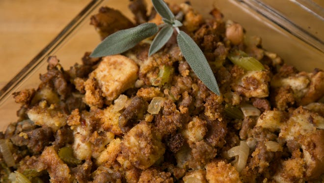 Sandy Laroo offers a cornbread and sausage stuffing recipe for the Thanksgiving holiday.