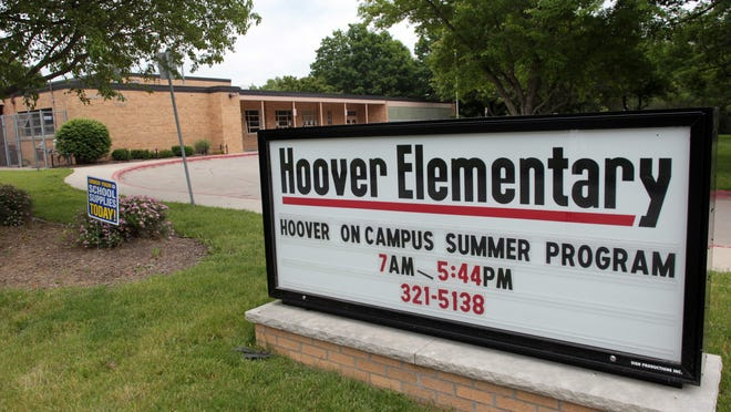 Hoover Elementary is seen on Monday, June 10, 2013.   David Scrivner / Iowa City Press-Citizen