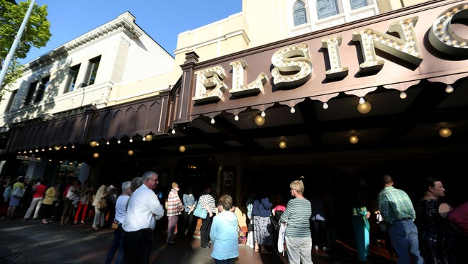 "People line up outside the Historic Elsinore Theatre for ""Good Morning America"" anchor Robin Roberts to speak at the 11th annual benefit for the Medical Foundation of Marion & Polk Counties at the Historic Elsinore Theatre in Salem on Friday."