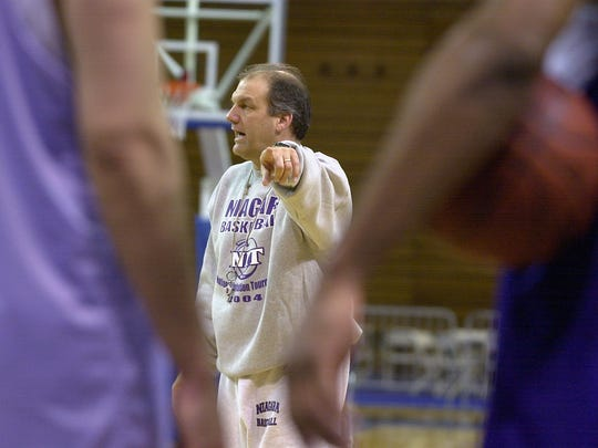 Joe Mihalich, shown here coaching Niagara where he