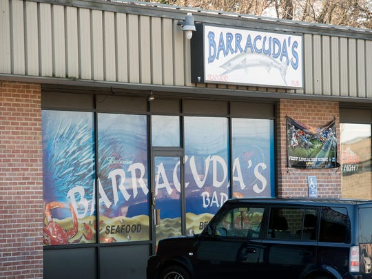 Barracuda's Seafood Pub is located in Springettsbury