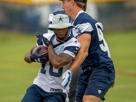 Cowboys_Receiving_Roles_Football_40156.jpg