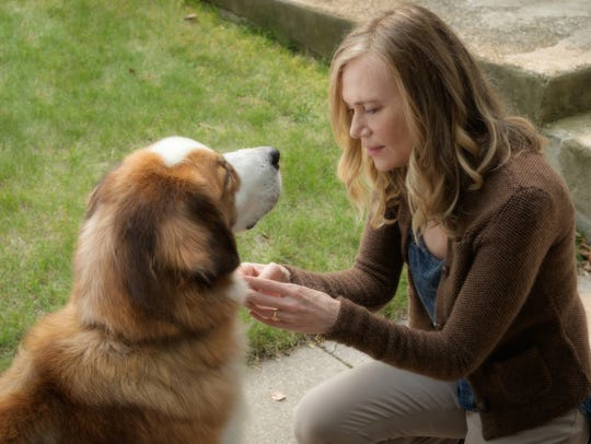 Hannah (Peggy Lipton) has a special bond with Buddy