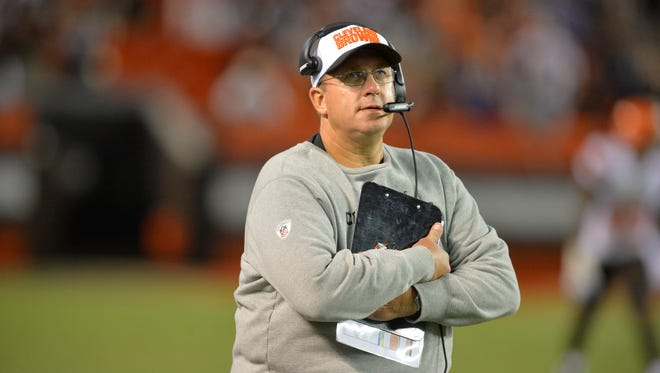 Cleveland Browns offensive line coach Andy Moeller stands on the sideline during an NFL preseason football game against the Buffalo Bills, Thursday Aug. 20, 2015.