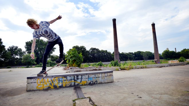 A Jan. 9 Runk Rock show will benefit plans to build a skate park on the former Poe Mill site.