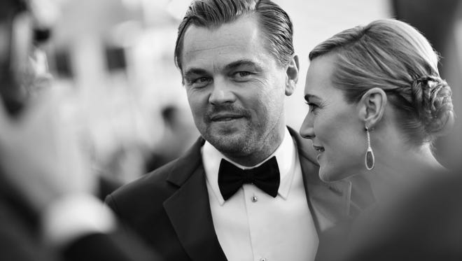 Leo and Kate, even more stunning in black and white.