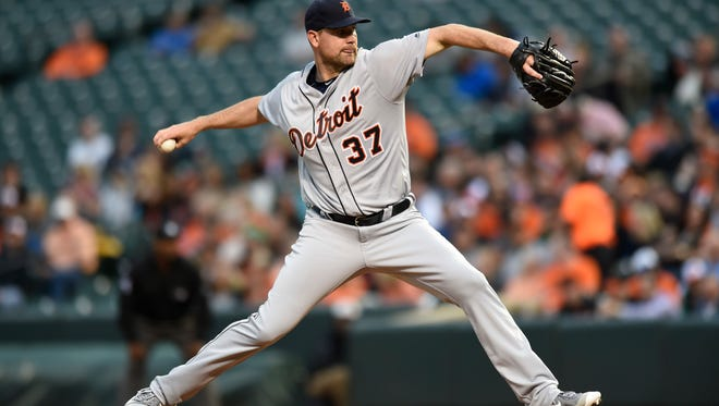 Tigers pitcher Mike Pelfrey delivers in the first inning of the Tigers' loss Thursday in Baltimore.