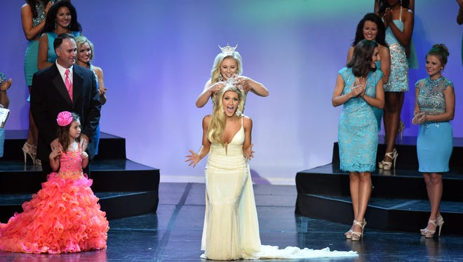 Miss Dixie Laura Lee Lewis is crowned the winner of the 2016 Miss Mississippi Pageant at the Vicksburg Convention Center on Saturday.