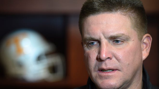 Vols defensive coordinator Bob Shoop