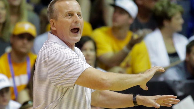 Tennessee head coach Rick Barnes shouts to his team in the first half during an NCAA college basketball game against the Oregon in the Maui Invitational Tuesday, Nov. 22, 2016, in Lahaina, Hawaii. (AP Photo/Rick Bowmer)