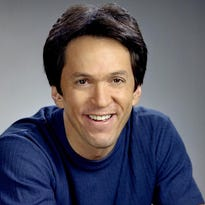 Mitch Albom: Best New Year's idea? Sign up to help others
