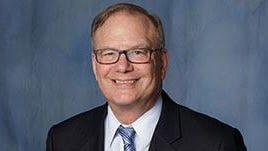 UF neurologist Steven T. DeKosky, M.D. earns Alzheimer's Association Lifetime Achievement Award.