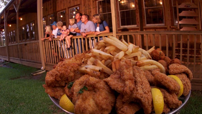 Cock of the Walk off Nine Mile Road will close its doors on Jan. 3 after 30 years in Pensacola.