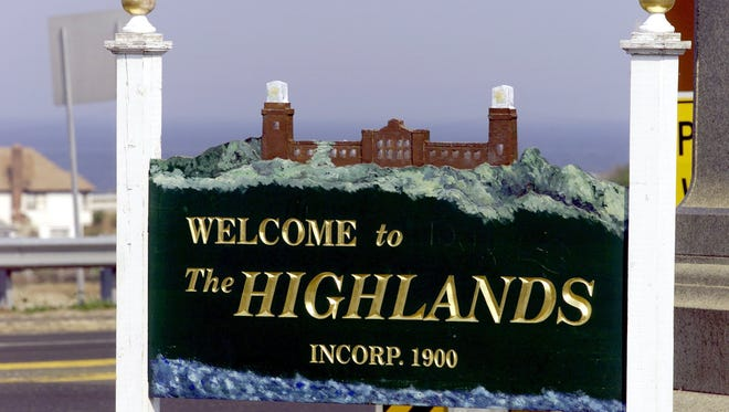 """A """"Welcome to Highlands"""" sign along Route 36 eastbound at the Highlands/Sea Bright bridge."""