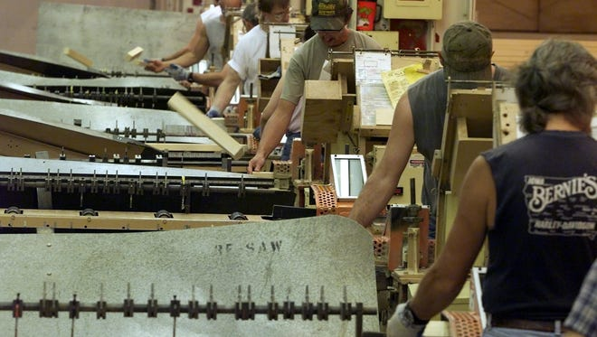 The Pella Windows & Doors company says it plans to move production of its wooden double-hung windows to Shenandoah from a factory in Macomb, Illinois.
