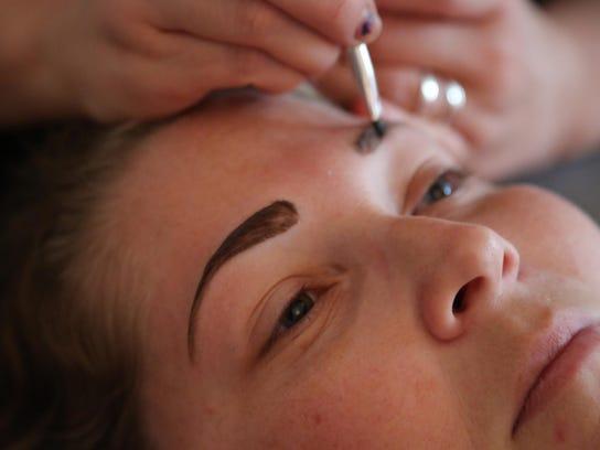 YOU 1125 Makeover Eyebrows 03
