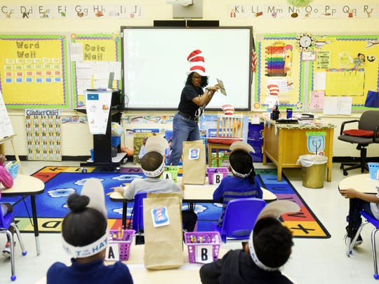 Feleicia Lester teaches her class at Linwood Public Charter School.