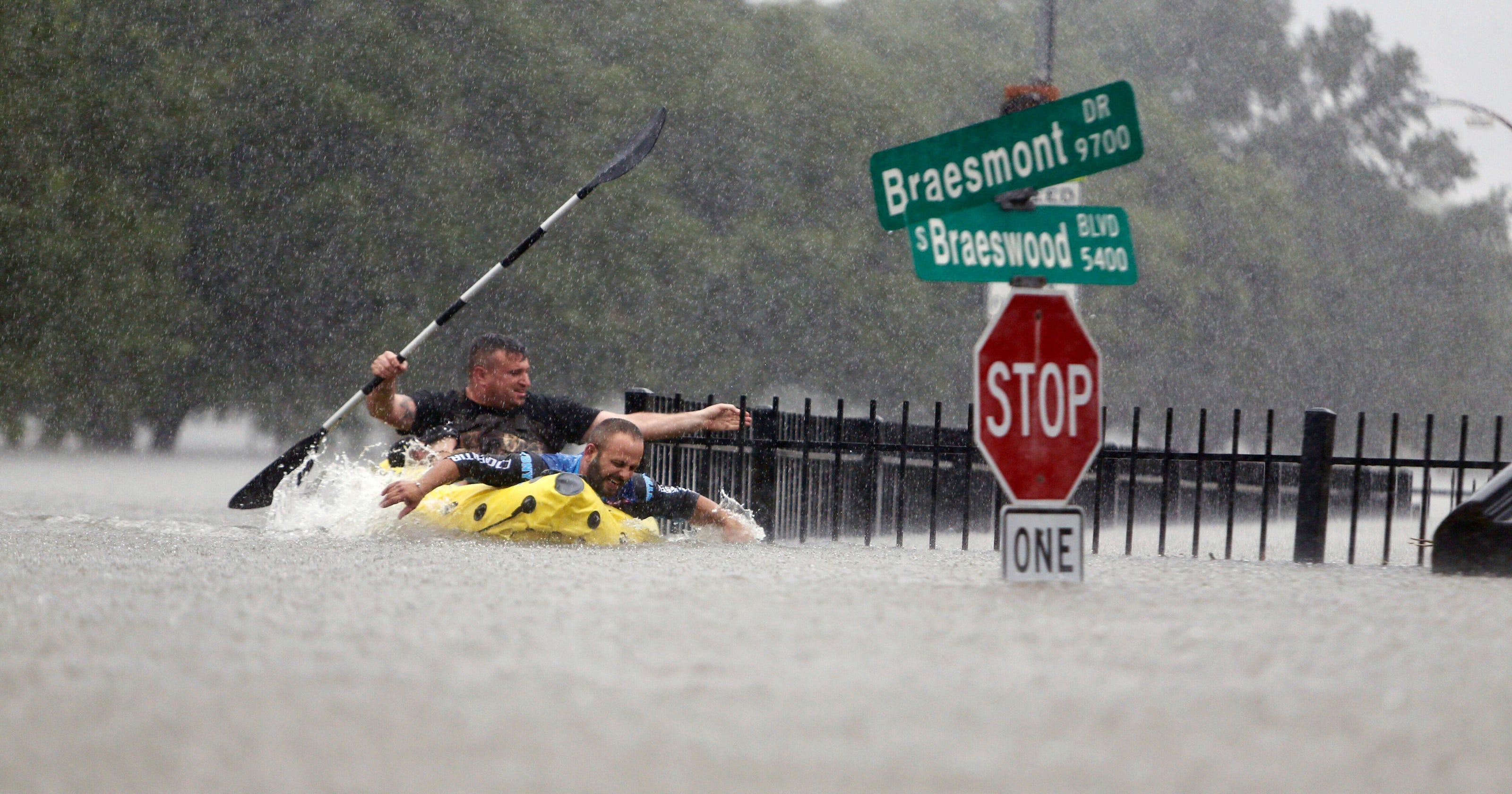 33bf1d79 Harvey floods Texas, Mayweather stays undefeated, Trump pardons ...