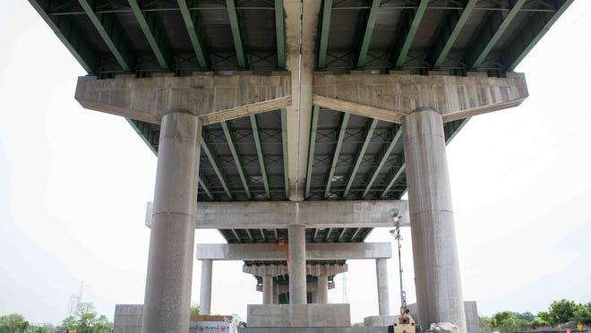 Work continued in May 2015 on the Interstate 495 bridge over the Christina River, which was discovered to be tilting a year prior. DelDOT announced in April that it is suing four companies whose negligence, the agency claims, caused the damage to the bridge.